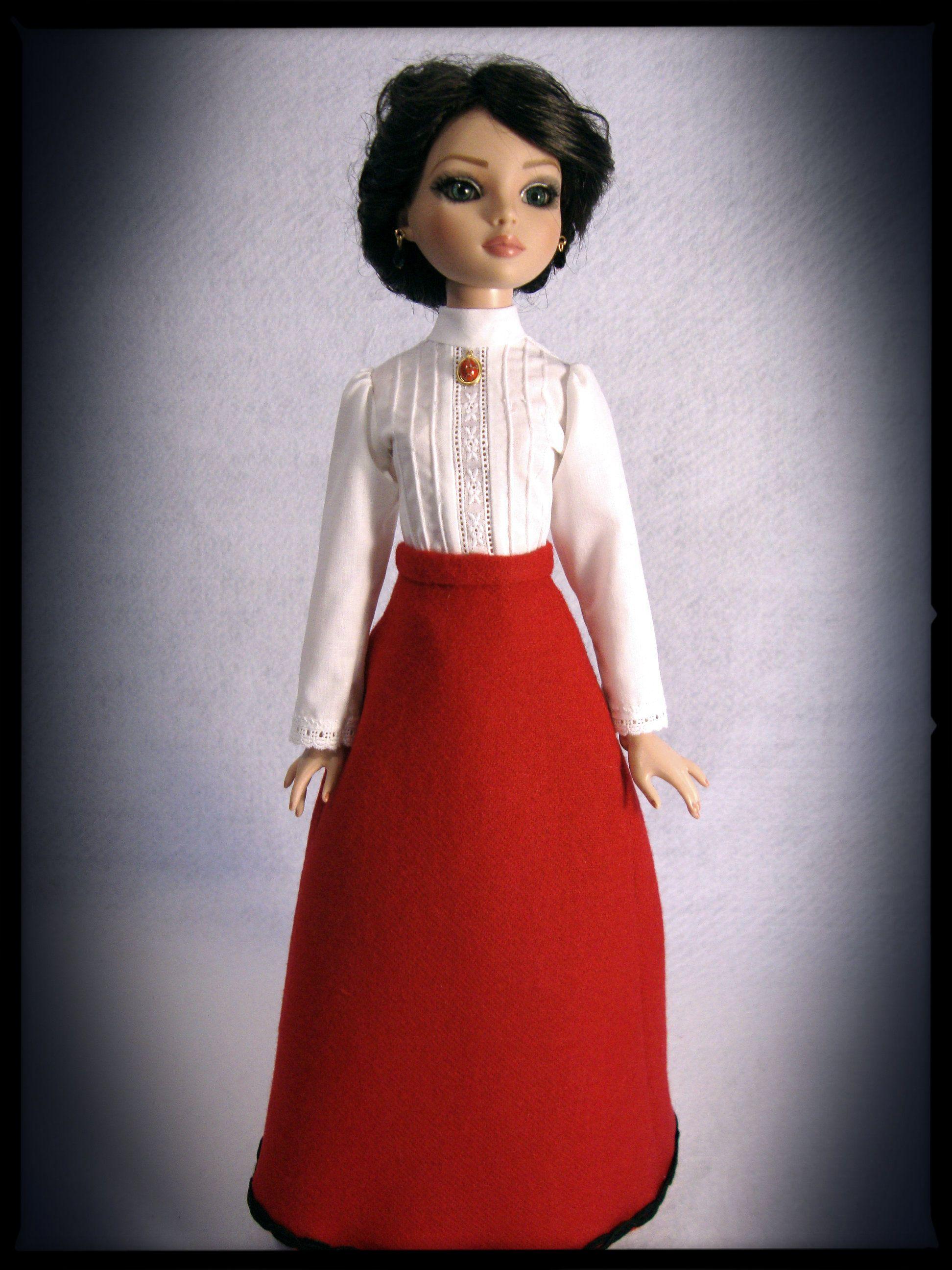 Blouse detail-red Edwardian oufit