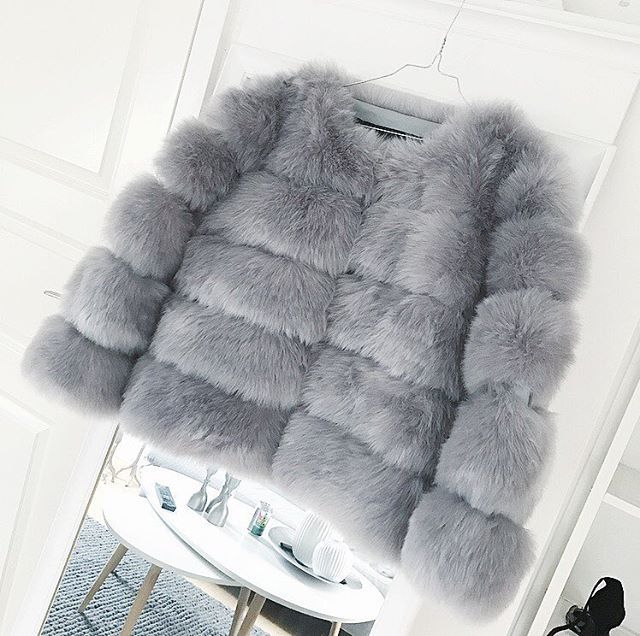Yes please Robyn is here in grey | Exclusive faux fur | 1149