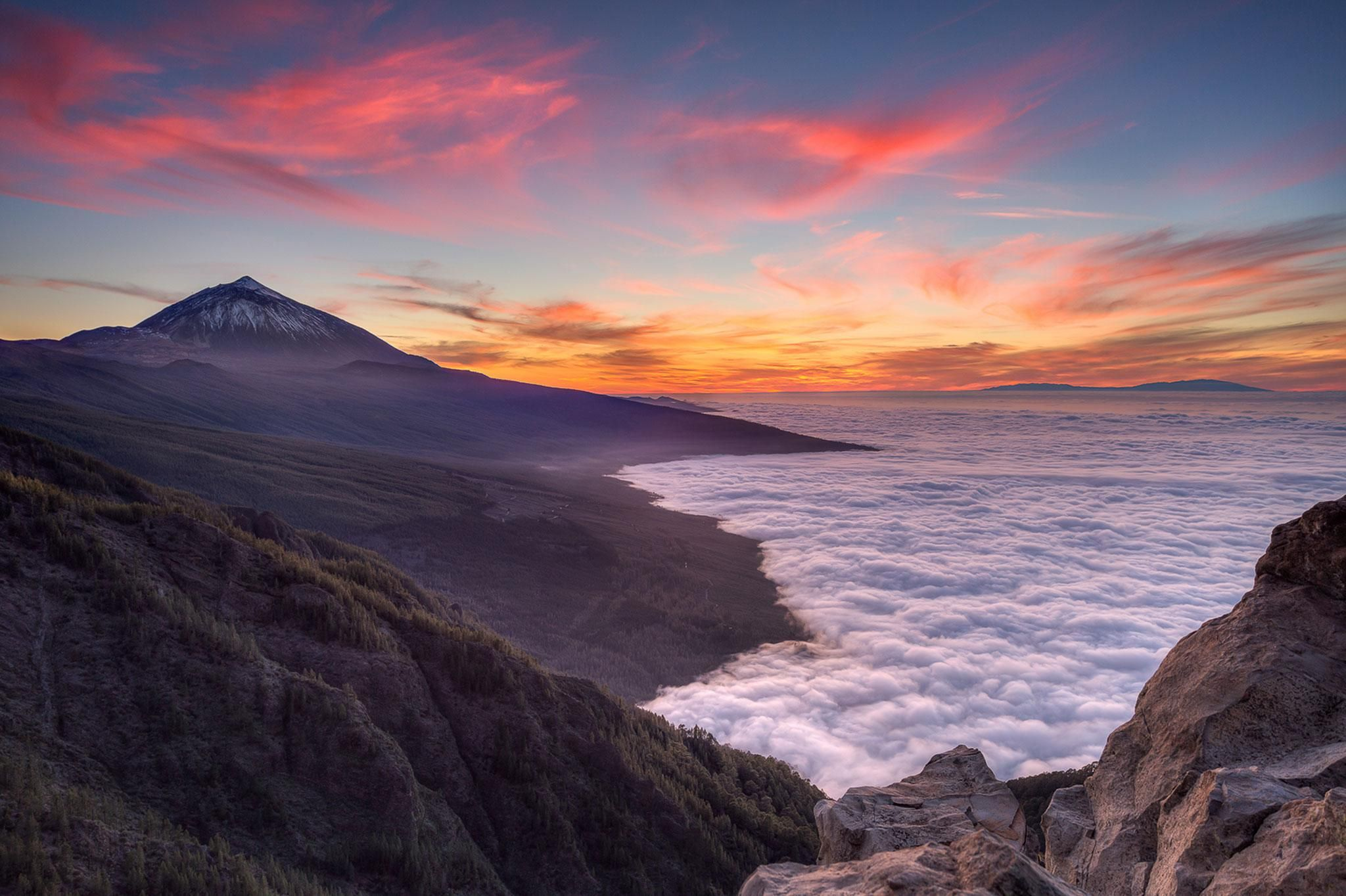 Clouds Like Oceans Mt Teide Canary Islands 2048 1364 Oc Michael Bolognesi Best Sunset Pretty Landscapes Around The World In 80 Days