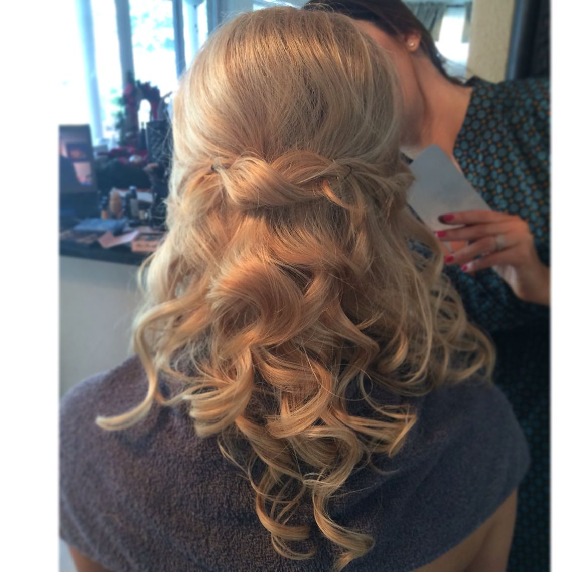 Gorgeous Half Up Half Down Hairstyle Soft And Romantic