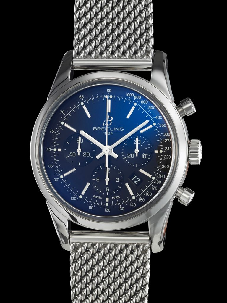 The Transocean Chronograph reinterprets the sparing aesthetic of the classic chronographs from the 1950s-60s in a resolutely contemporary style.