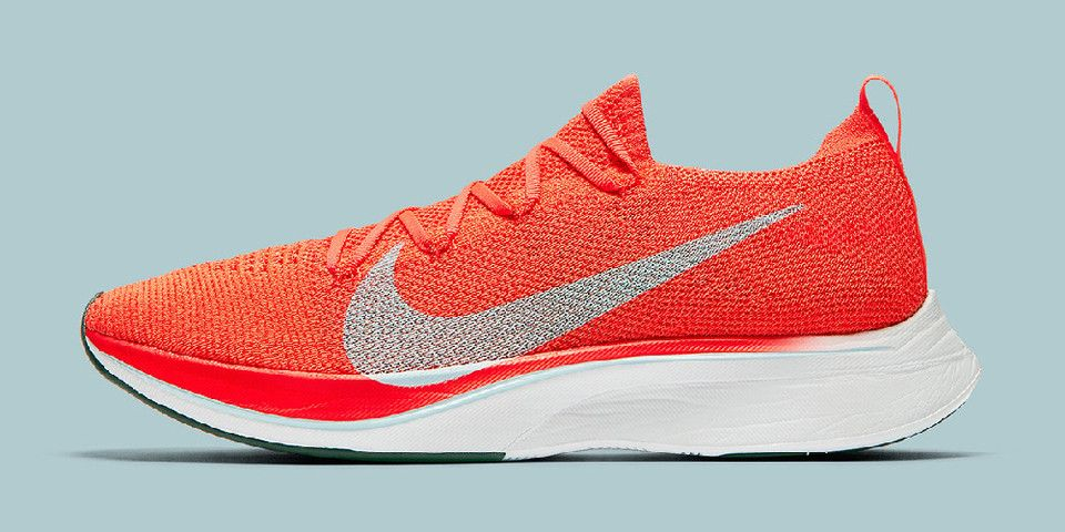 online store 09585 d60c3 Take a Detailed Look at the Nike Vaporfly 4% Flyknit