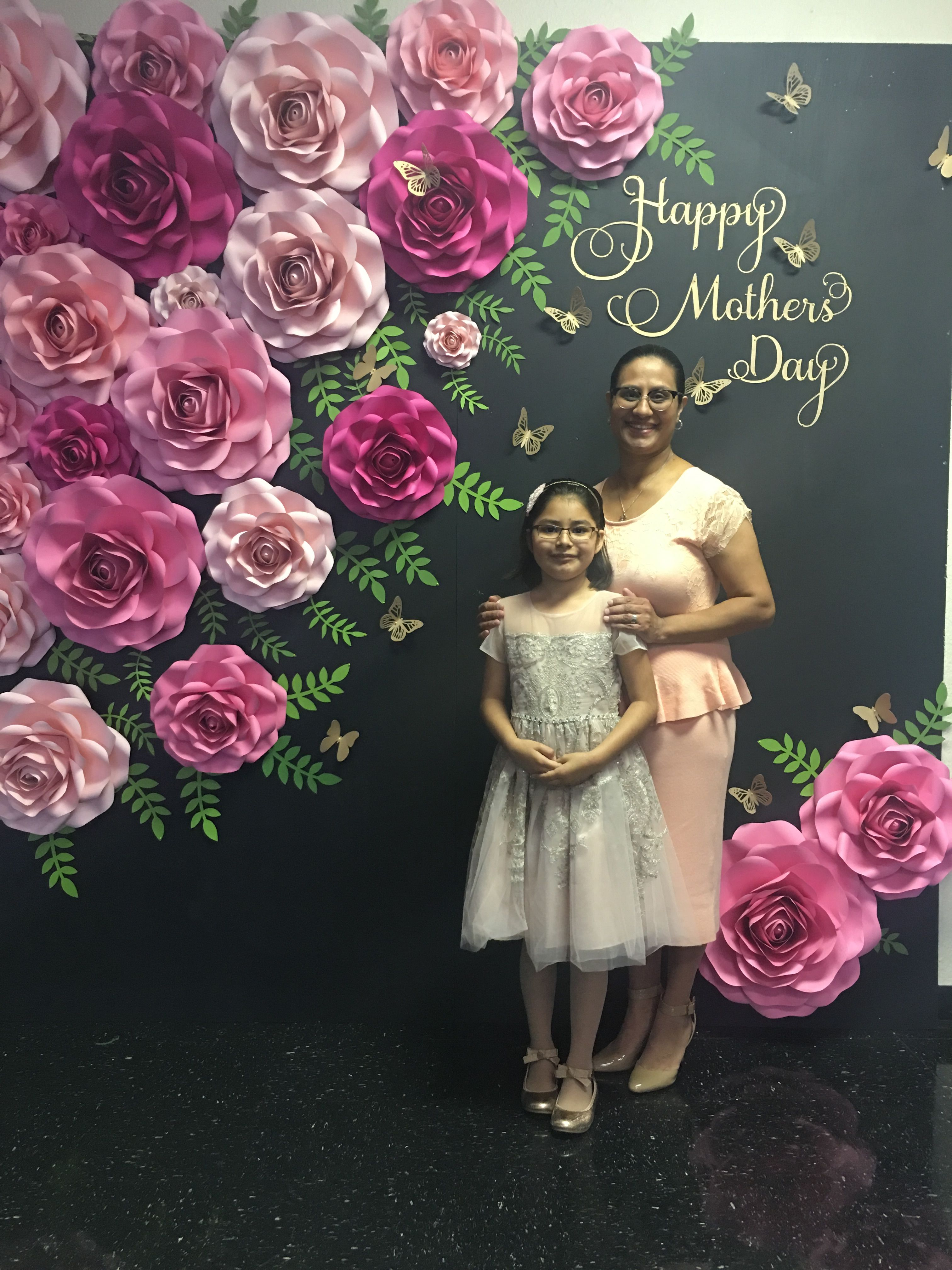 Mother S Day Backdrop By Carol S Creations Mothers Day Decor Paper Flower Wall Wedding Mothers Day Crafts