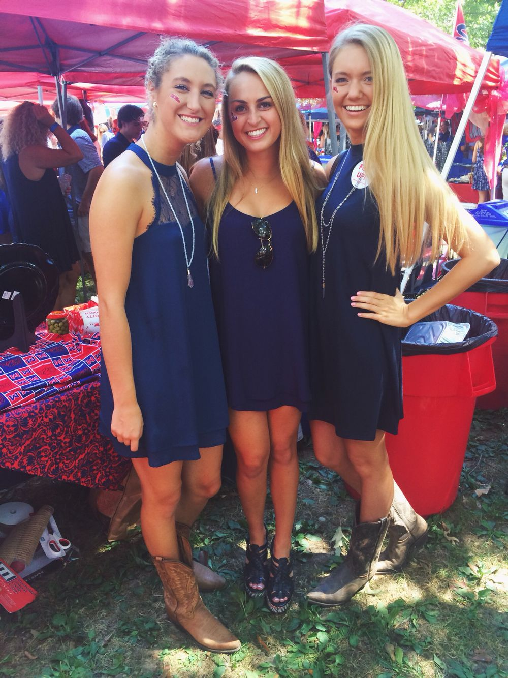 Ole miss gameday colors 2015 - Ole Miss Game Day Outfits 2015