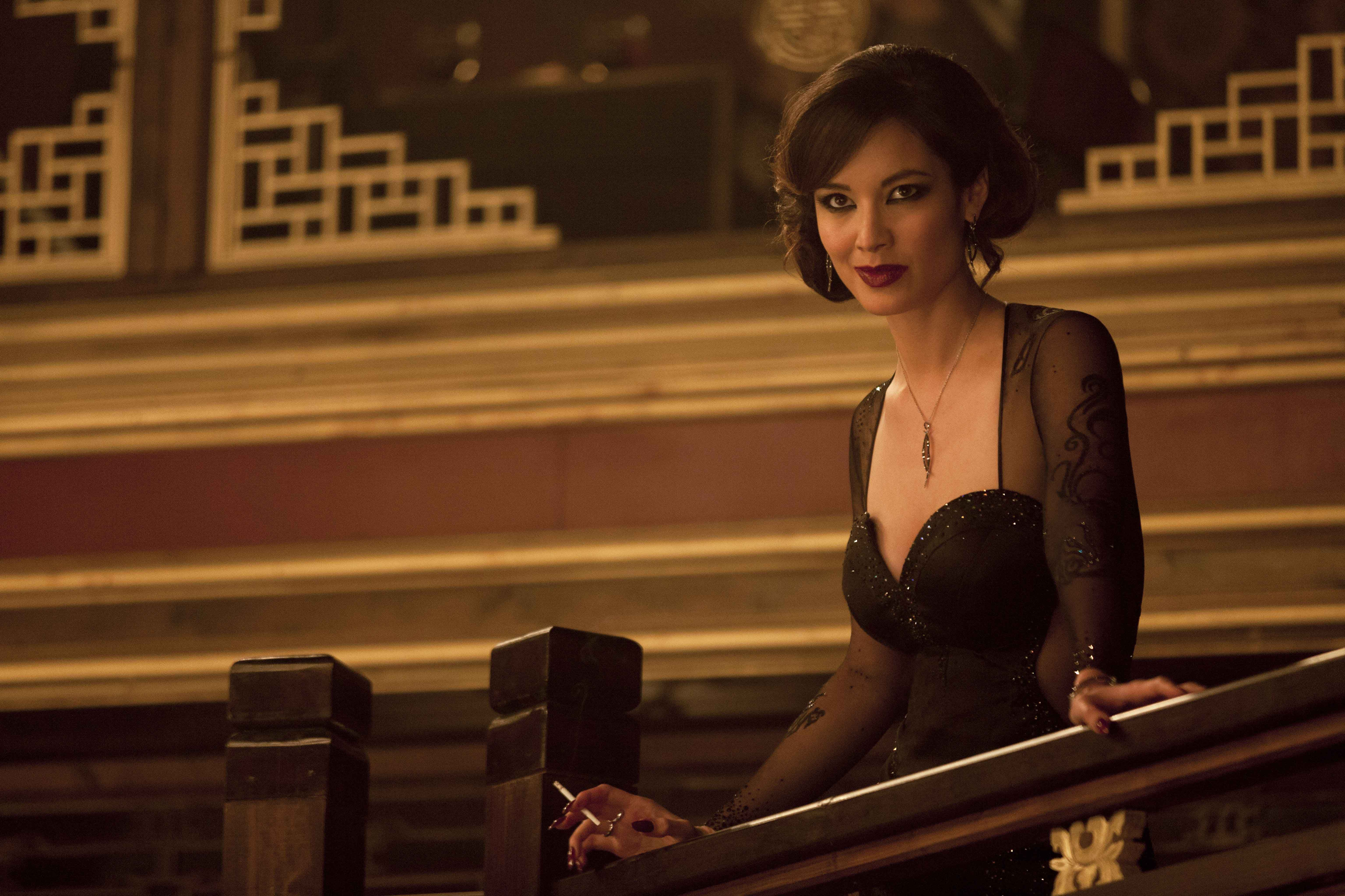 10 Of The Hottest Bond Girls