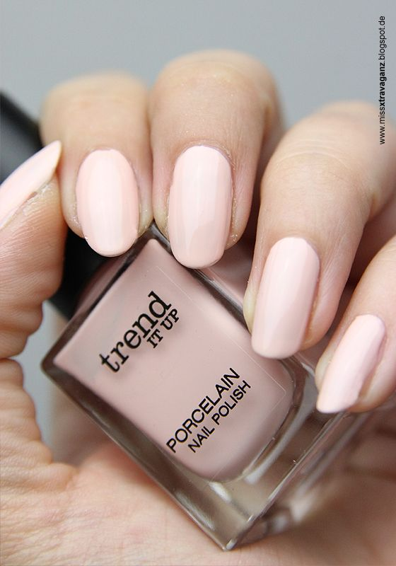 trend it up porcelain 40 - light pinky nude | nail polish / lacquer ...