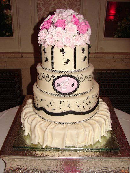 couture wedding cakes | ... + Creativity = The Perfect Wedding Cake | Couture Cake Jewelry Blog