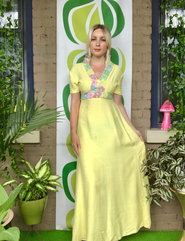 Gorgeous 1960s Canary Yellow Floral Crochet Trim Short Sleeve Empire Waist Maxi Dress Prom Dres Maxi Dress Prom Maxi Dress With Sleeves Empire Waist Maxi Dress [ 3000 x 2306 Pixel ]