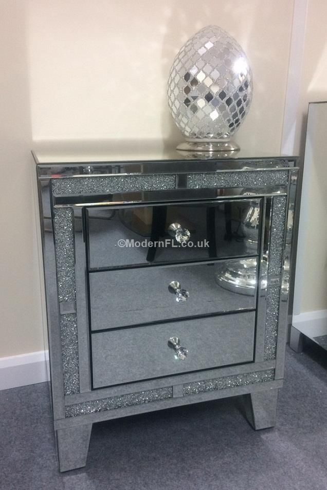 An Absolutely Stunning Range Of Mirrored Furniture These Beautiful Drawers  Have Lots Of Tiny Acrylic Crystals