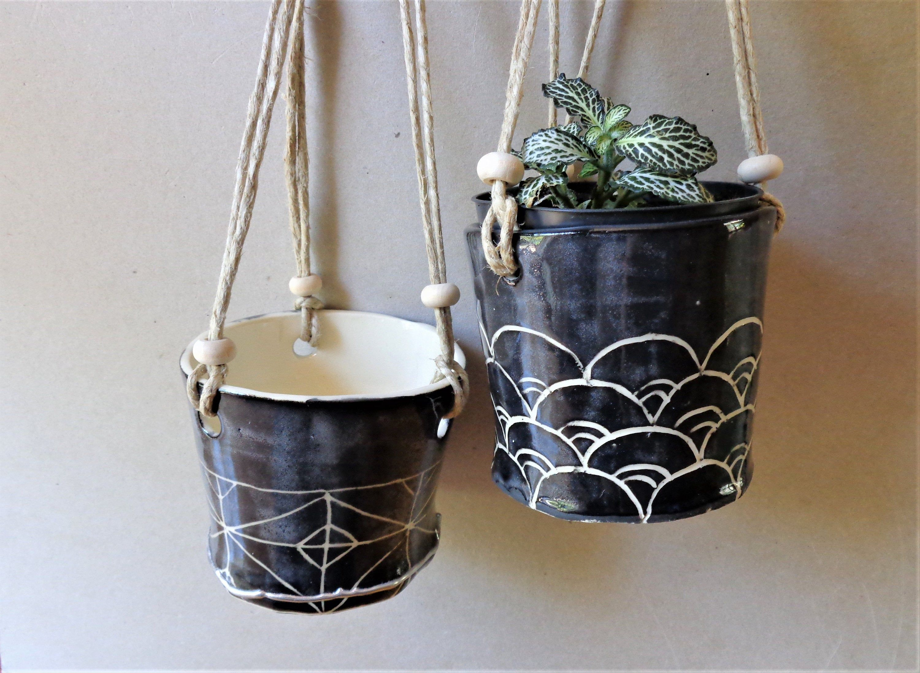 Small Black Sgrafitto Textured Hanging Planter Rustic Round Indoor Or Outdoor Hanging Planter Pot Home Garden Patio Verandah Decor In 2020 Rustic Pottery Hanging Planters Etsy