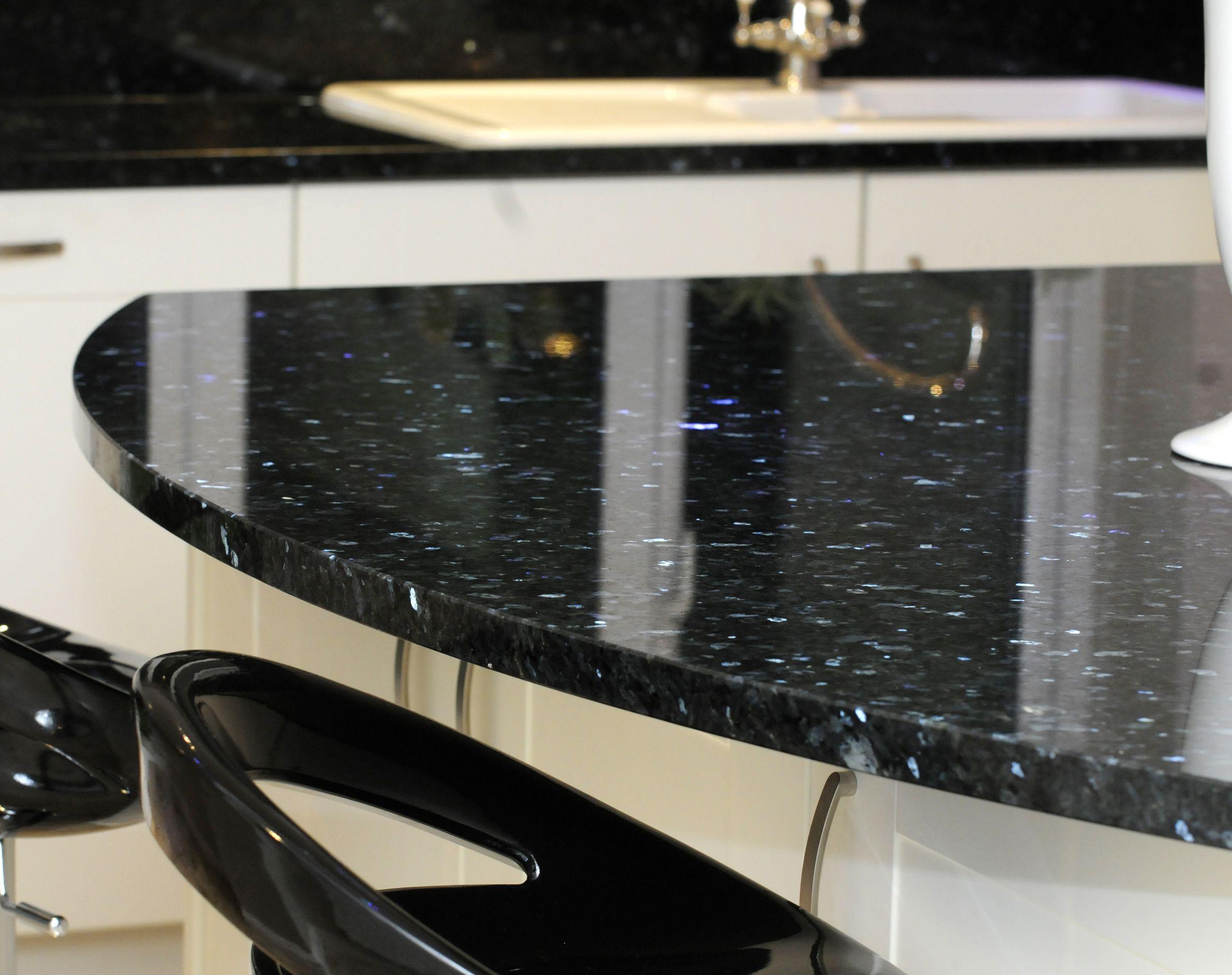 Star Galaxy Granit Wahlen Sie Fur Ein Zeitgemasses Design Den Erstklassigen Star Galaxy Von Granit Und Gestalten Sie Ihr Zuhaus New Kitchen Granite Kitchen