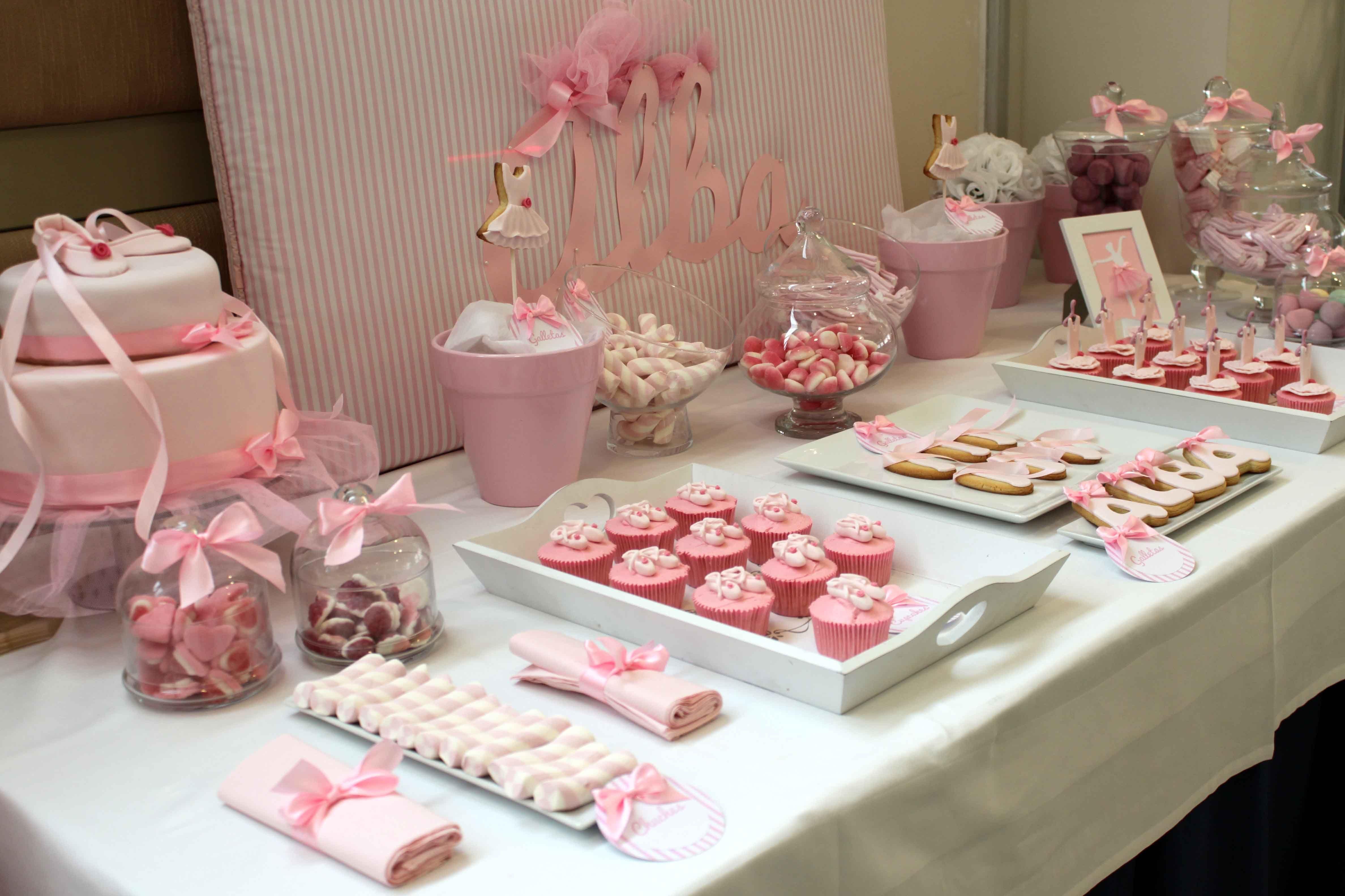 Nos chiflan el ballet y la comuni n de alba comuniones for Mesa de dulces para bautizo de nina