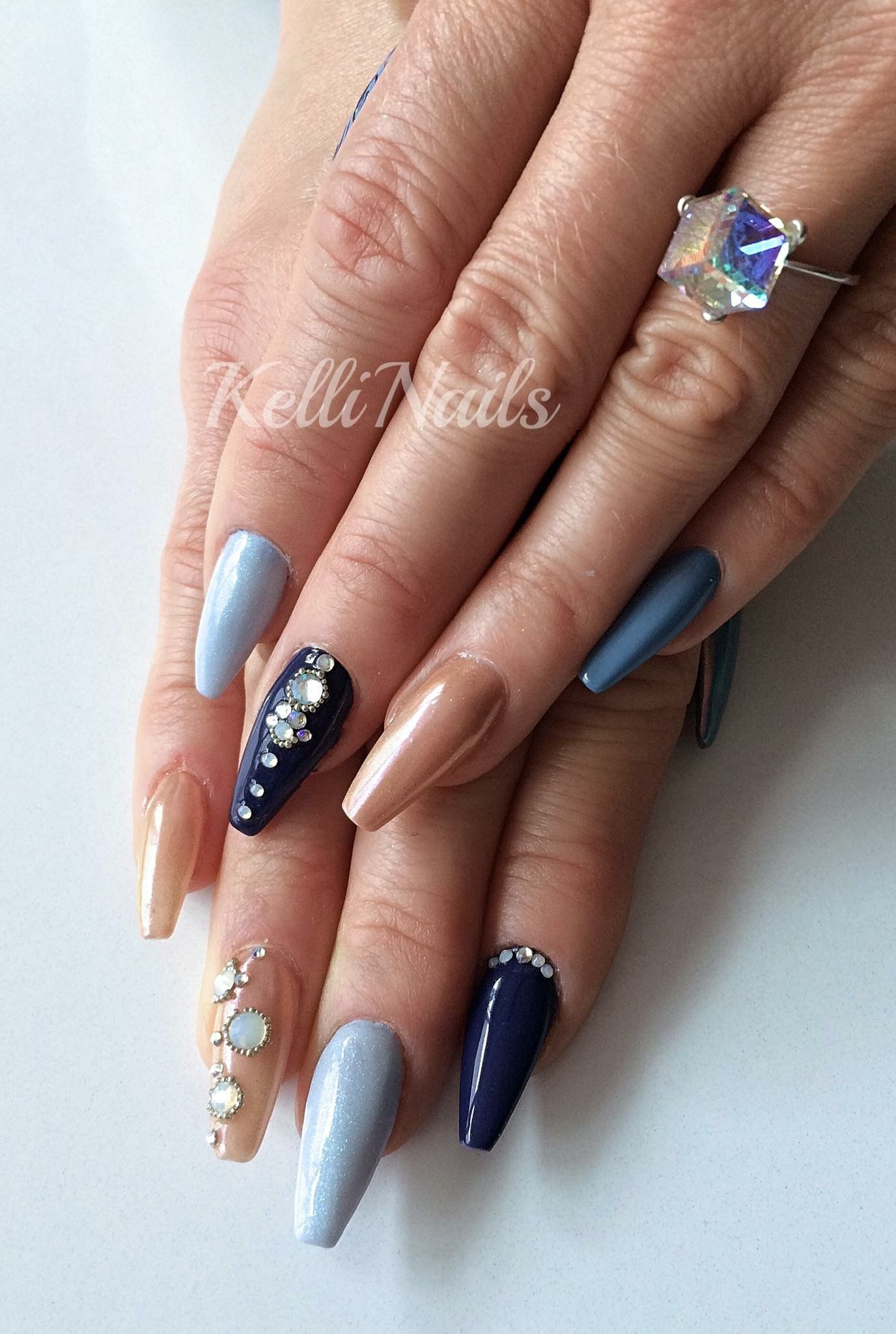 Nageldesign Strasssteine Coffin Nails Ballerina Nägel In Dunkel Und Hell Blau Modern
