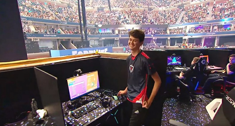 16 Year Old Bugha Wins 3 Million Fortnite World Cup Solo Finals Ingamemall Com World Cup 16 Year Old Fortnite