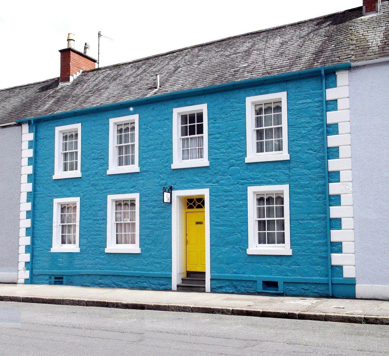 20 fachadas de casas pequeñas ¡que te sorprenderán! | Fachadas, Gama ...