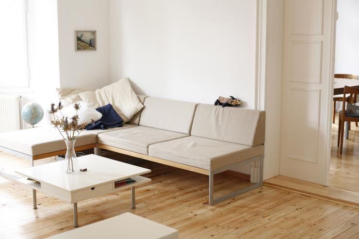 Glastisch Wohnzimmer ~ Wohnzimmer einrichtung dunkelblauer teppich dunkelblaue couch