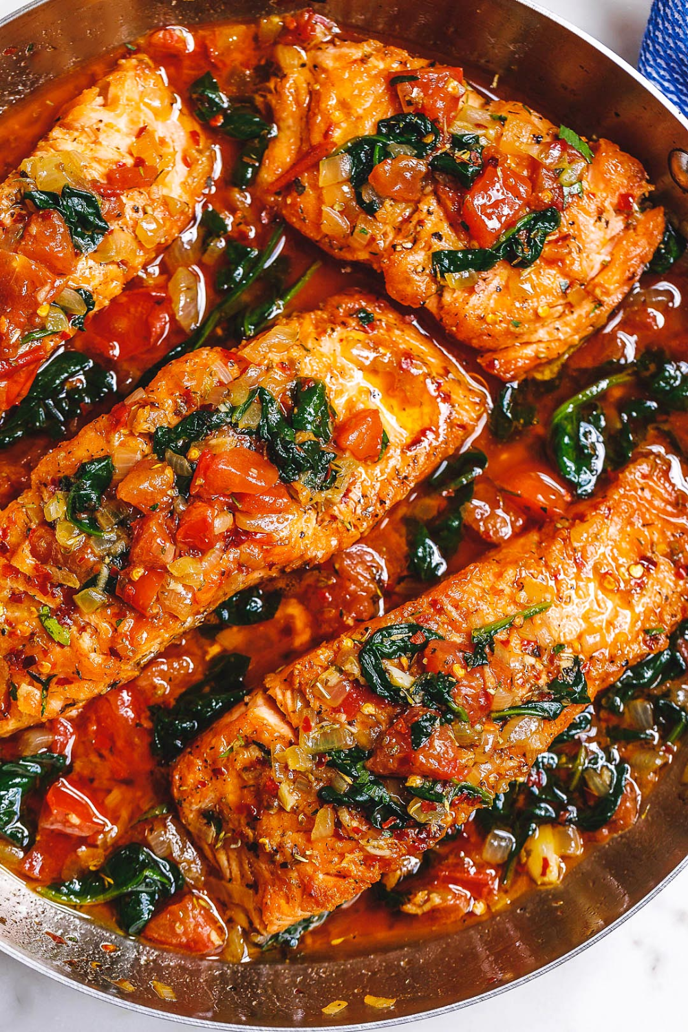 Tuscan Garlic Salmon Skillet with Spinach and Toma