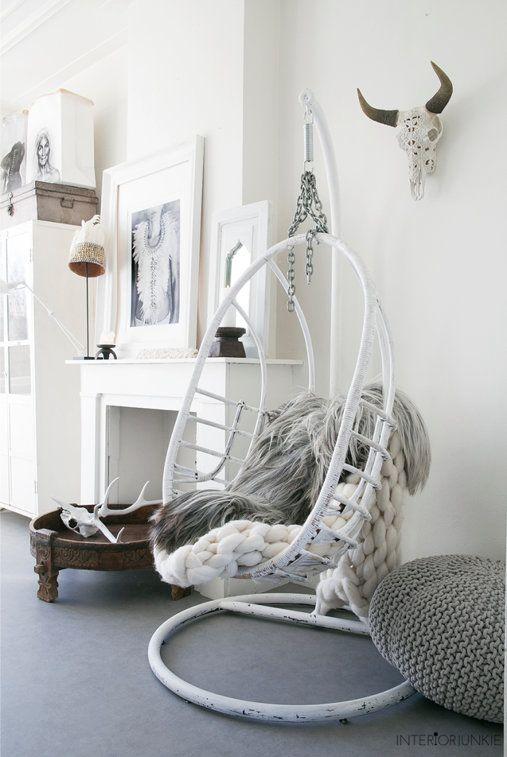 Witte ibiza-style woonkamer met grove breisels | Room decor, Room ...