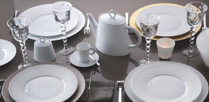 service de table porcelaine de limoges assiettes. Black Bedroom Furniture Sets. Home Design Ideas