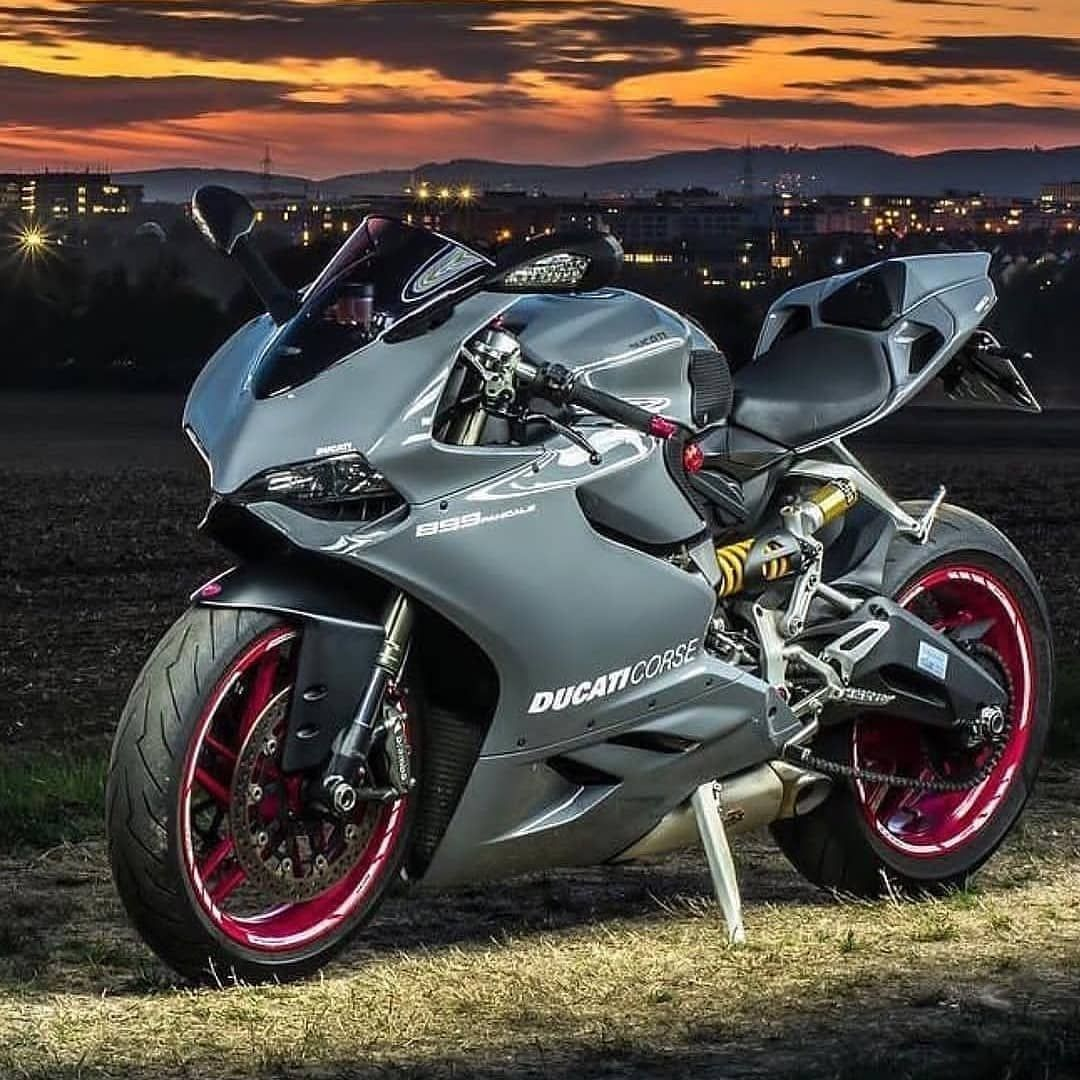 Ducati Club Rate 1 10 T Shirt Sale Link In Bio Prestazione Ducati Custom Motorcycles Mopar Modified Ca Ducati Panigale Ducati Sports Bikes Motorcycles