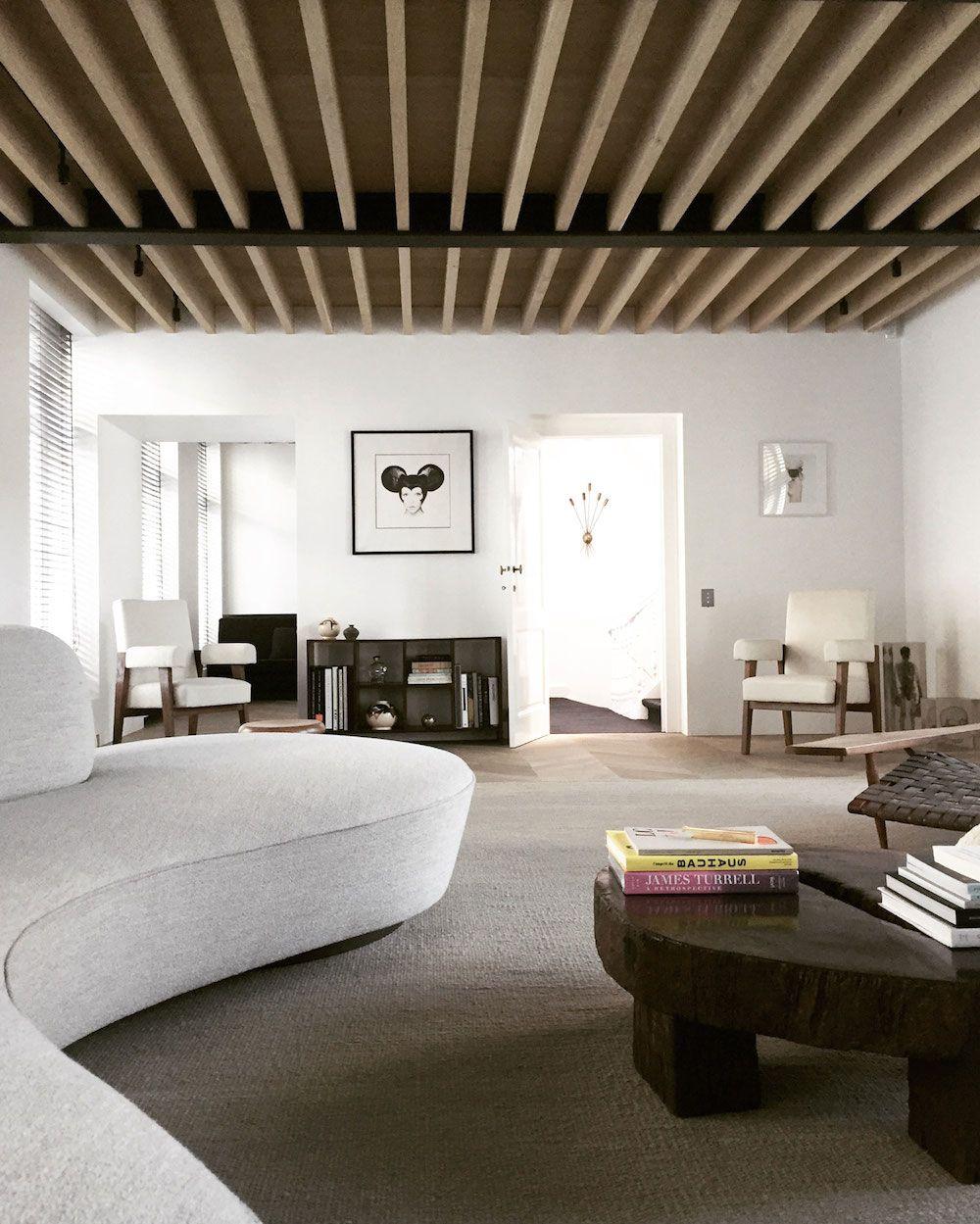 Ungewöhnlich Interieur Design Mrqt Boutique Dekowand Holzstabchen ...