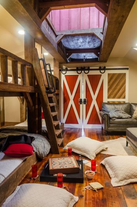 Kids Rustic Room With Bunk Beds And Barn Door Bunk Bed Barn