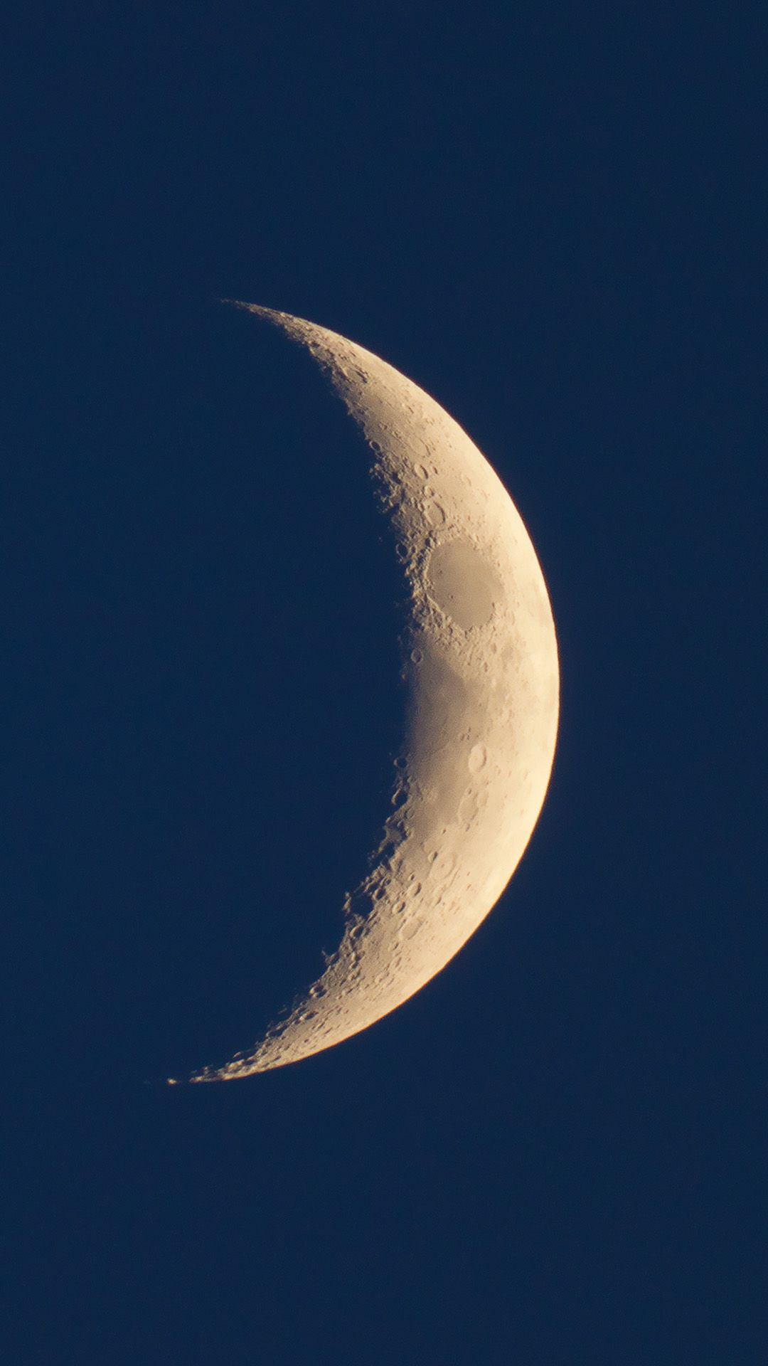 Simple Minimal Crescent Moon Space Night Sky #iPhone #6 #wallpaper | iPhone 6~8 Wallpapers