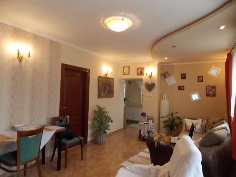 Gemütliches Familienhaus in Ort Tényő !In einer schönen, ruhigen - grose fenster wohnzimmer