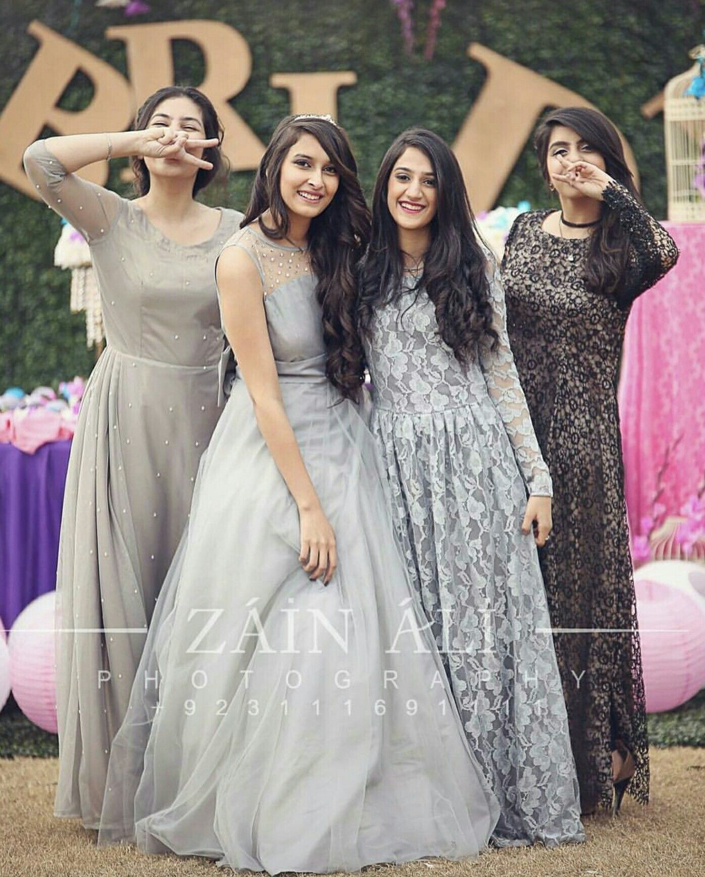 Pin By Kunju On Pakistani Formals Dress Dats Rooock Pakistani Wedding Outfits Bridal Party Poses Wedding Dresses For Girls