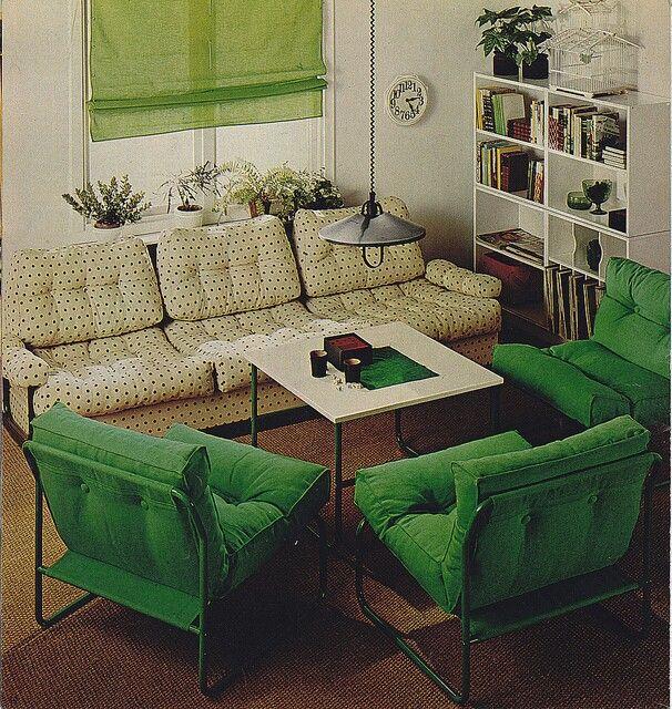 mobilier dpoque beaut vintage ides de dcoration canap ikea salle familiale pres fondateurs seigneuriele seigneur clbrits - Table De Salle A Manger Ikea1962