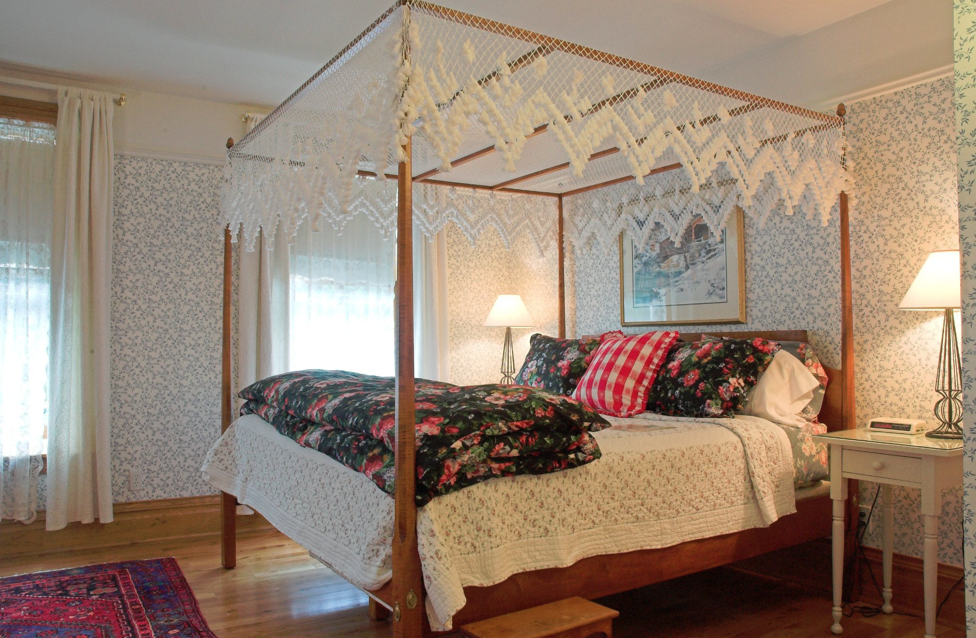 White Lace Inn Bed & Breakfast Located In Beautiful Door