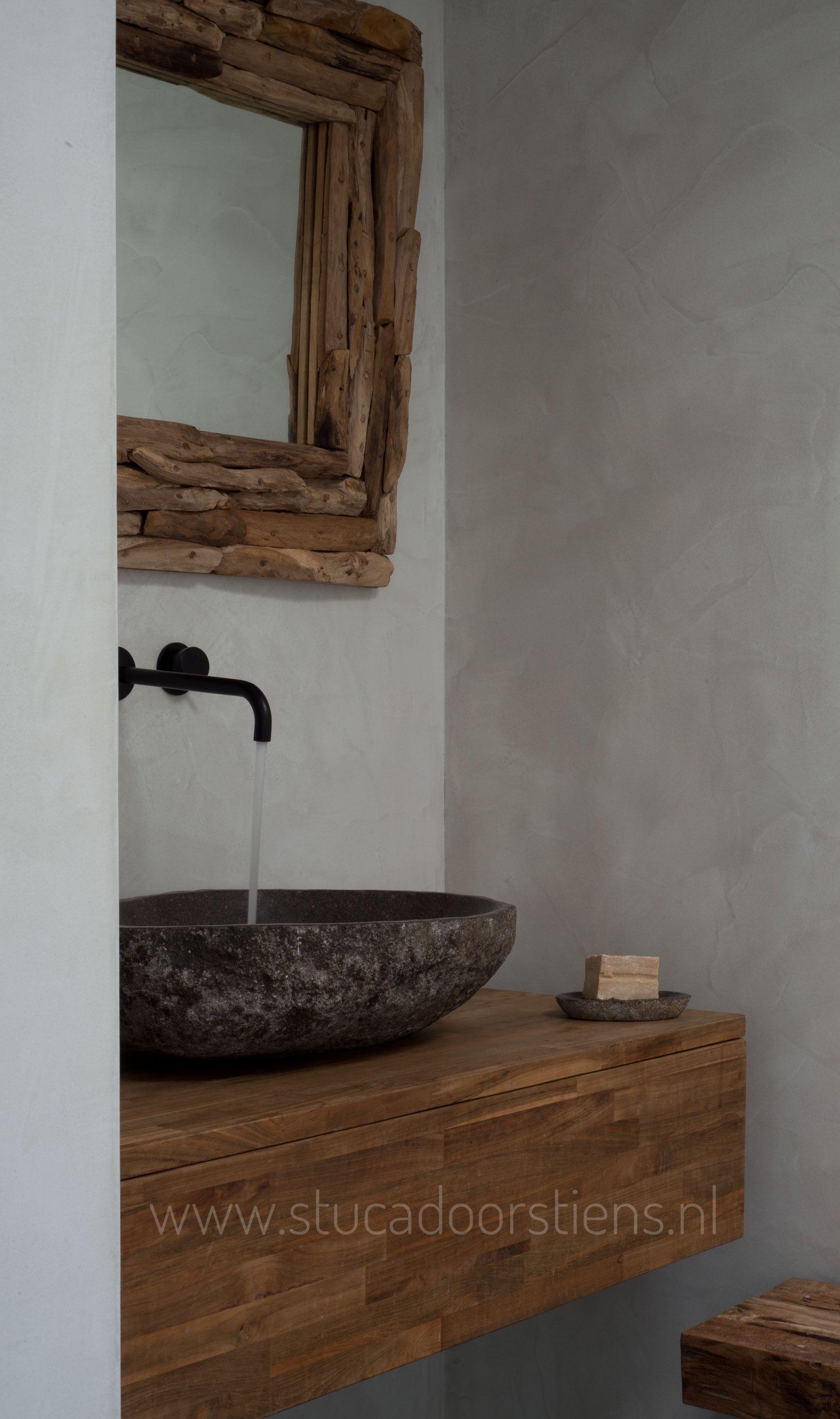 Badkamer met waterdicht stucwerk in meer dan 60 kleuren verkrijgbaar ...