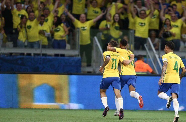 'Brasil Juara Piala Dunia 2018 Harga Mati' -  https://www.football5star.com/berita/douglas-costa-brasil-juara-dunia-2018-harga-mati