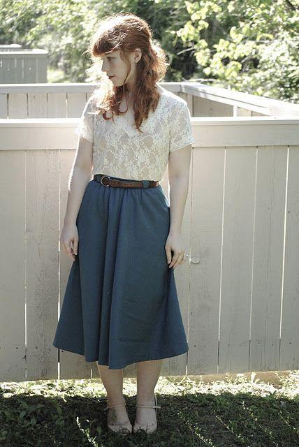 midi navy blue skirt & white lace top