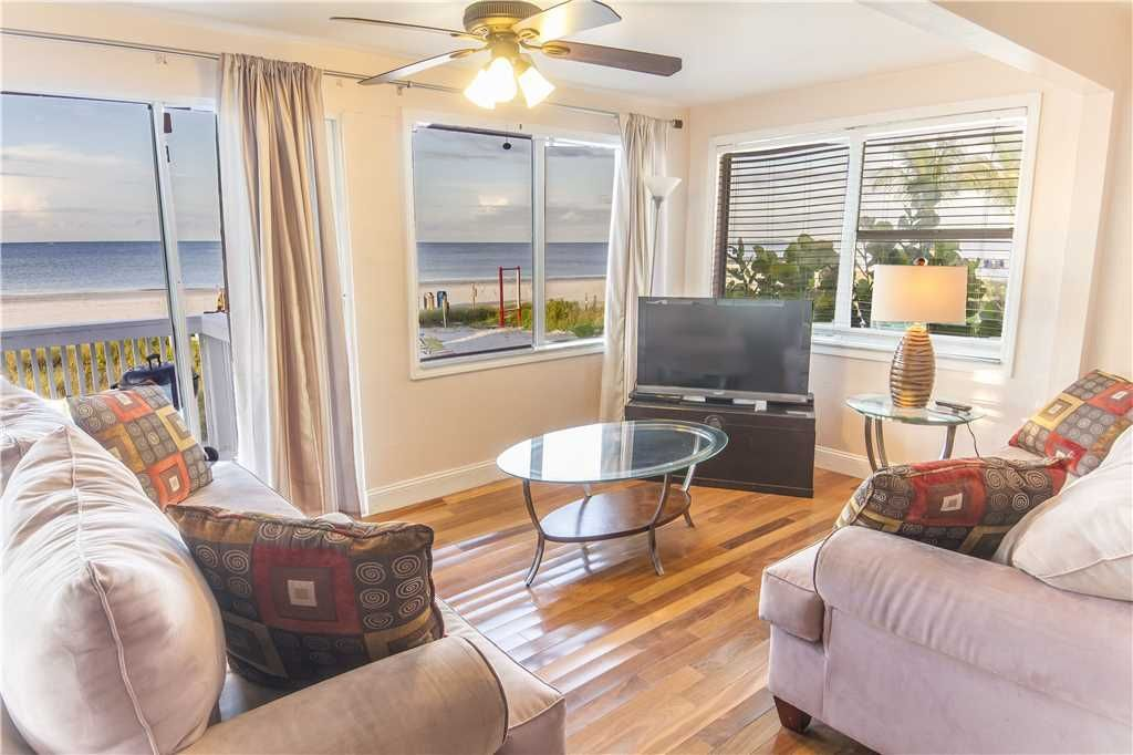 House Vacation Rental In Fort Myers Beach Fl Usa From Vrbo Com Vacation Rental Travel Vrbo House Rental Fort Myers Beach Fl Vacations