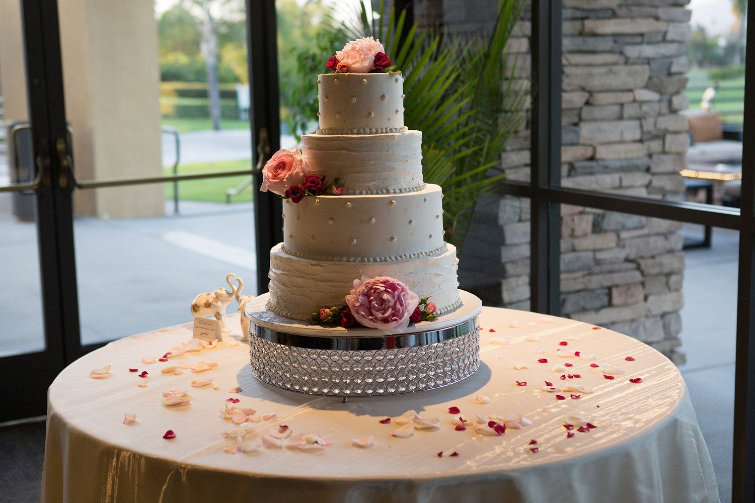 Alta Vista Country Club Wedding Reception Tablescape Cake Orange County