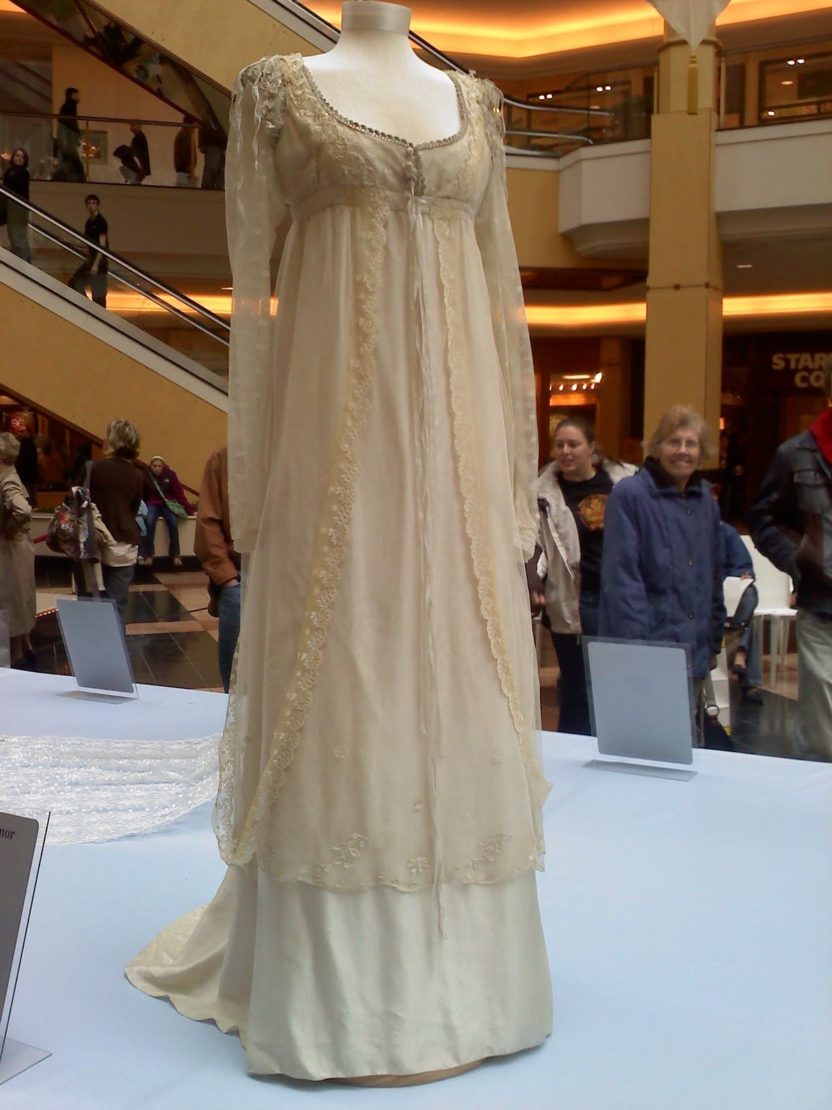 White gold wedding dress  Perdy   vestidos de noche  Pinterest  Wedding dress Gowns and