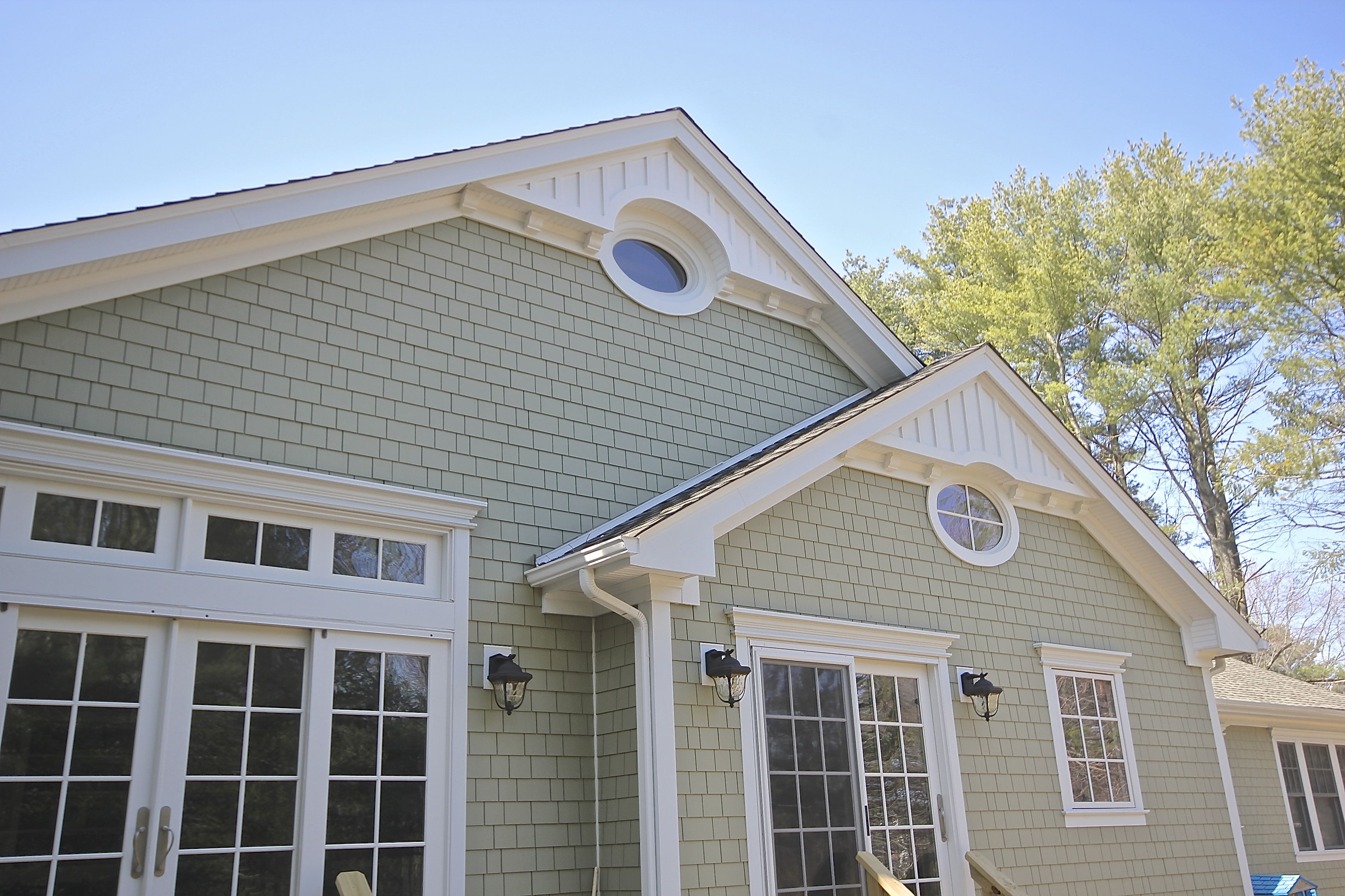 We Recently Completed This James Hardie Siding Project In Laurel Hollow Ny The Heathered Moss Color Of Hardi Hardie Siding Outdoor Siding James Hardie Siding