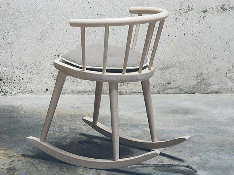 Sedia a dondolo in faggio con braccioli collezione w by for Sedia a dondolo nursery