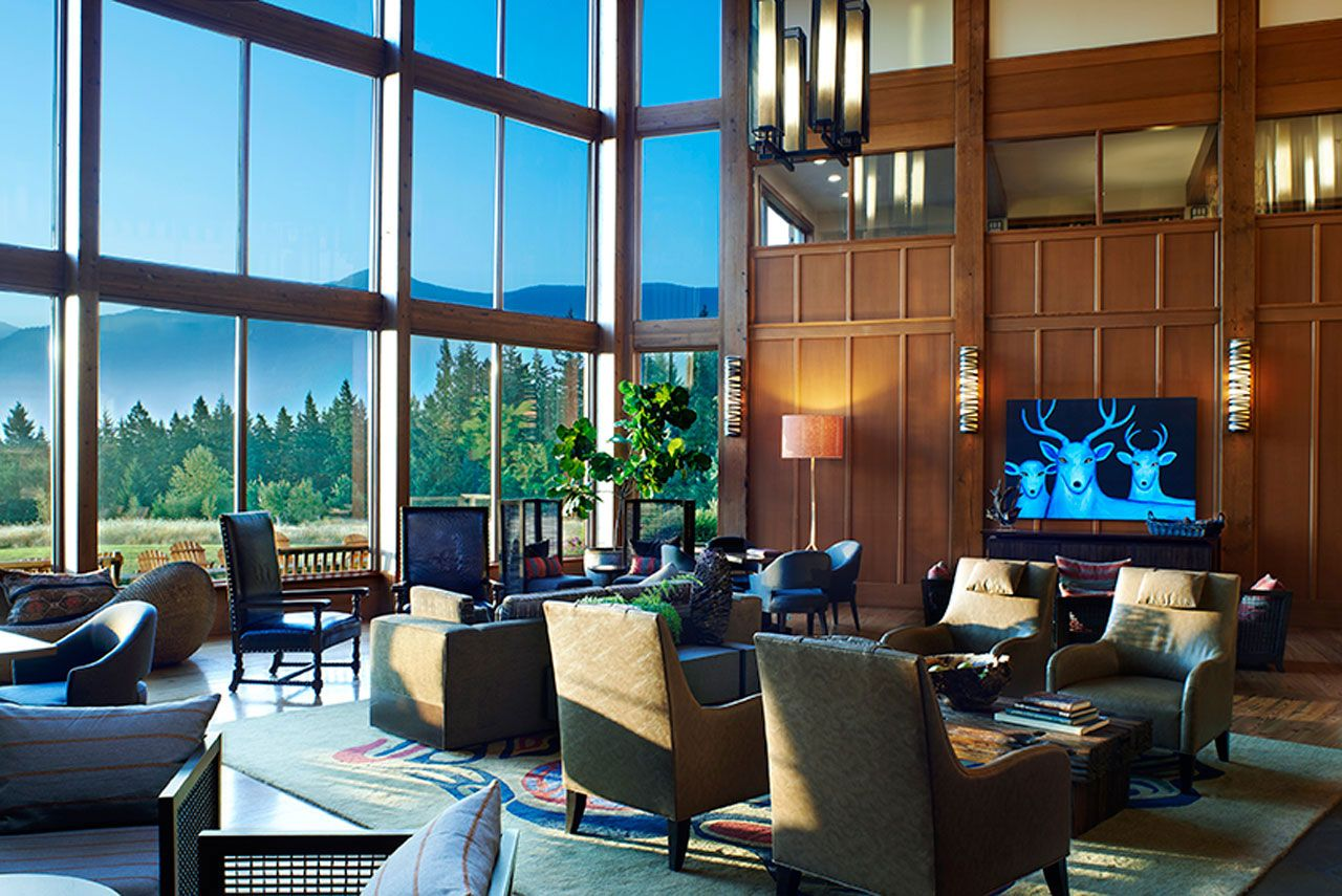 Considered By Many As The Premier Columbia Gorge Hotel Snia Lodge Offers Guests Unforgettable Accommodations And Amenities