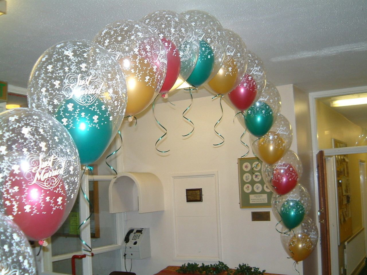Balloon arch for wedding - Double Bubble Balloon Arches Look Fantastic And Are A Bit More Interesting Than Standard Arches
