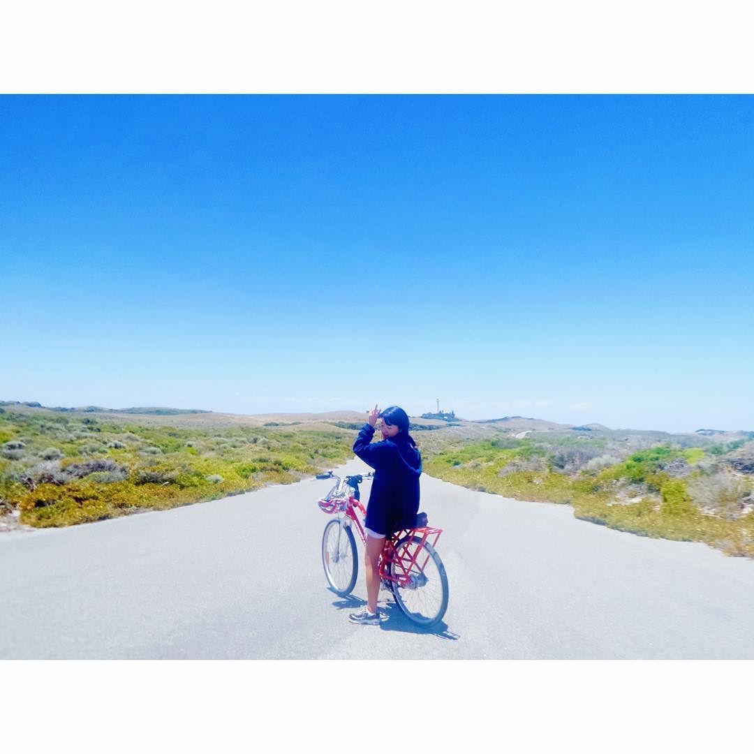 땡볕ㅇㅔ 자전거 오르막은 내리막은 #호주#퍼스#로트네스트#로트네스트섬#여행스타그램#자전거여행 #Australia#Perth#Rottnest#RottnestIsland#Travel#BicycleTouring by 2eun.hye http://ift.tt/1L5GqLp