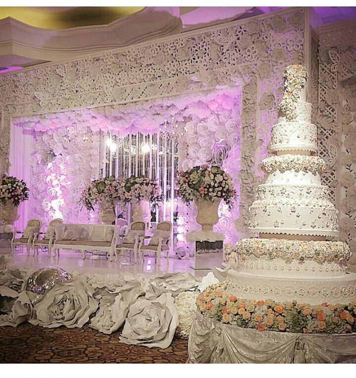 Royal Themed Wedding Ideas: 30 Grand & Opulent Royal Wedding Inspired Wedding Cake By