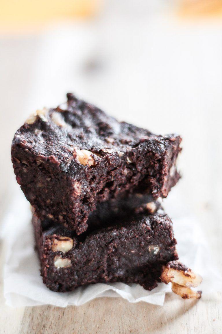 Photo of Healthy brownies (vegan, gluten-free, sugar-free)