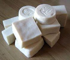 Procedimiento para separar el jabón de sus impurezas a través de la sal.. Todo sobre el jabon. Estudios y experimentos sobre el jabon artesanal con ingredientes naturales.