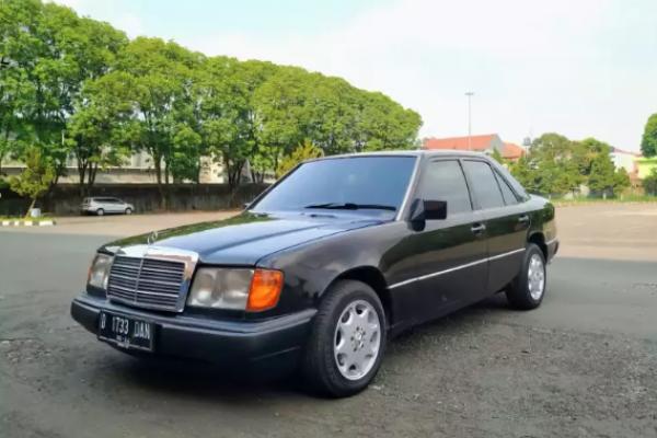 Dikira Orang Kaya Lama Sedan Sedan Eropa Ini Harganya Cuma Rp50 Juta Sedan Hatchback Kabin