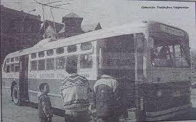 Resultado de imagen para buses antiguos valparaiso