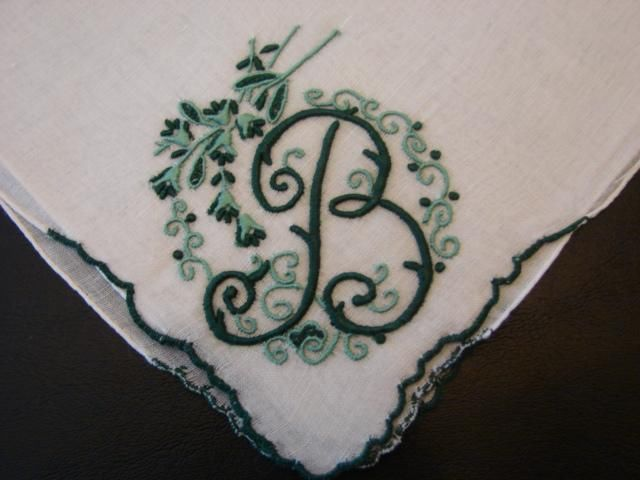 VINTAGE LINEN HANDKERCHIEF BRIDAL WEDDING PRETTY GREEN MONOGRAM B MWT MADEIRA