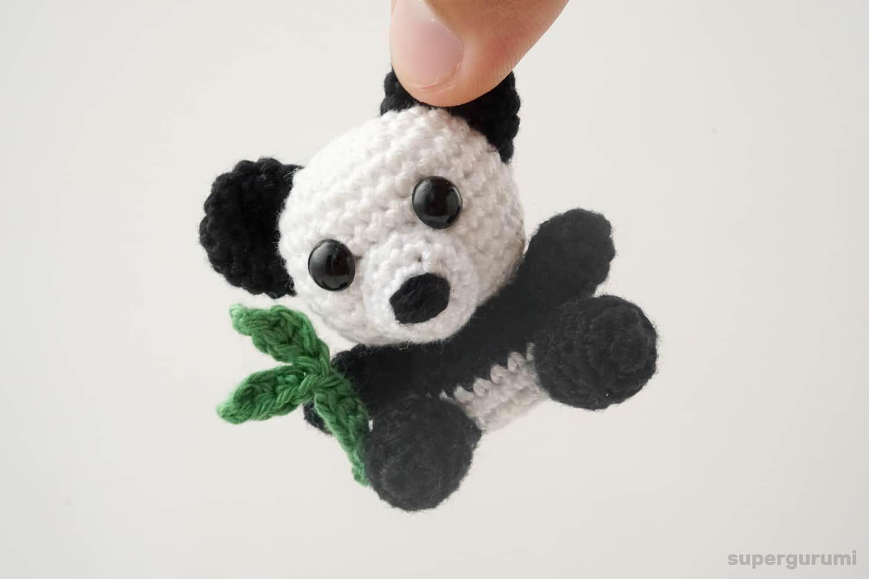 Cuddle Me Panda amigurumi pattern - Amigurumi Today | 1000x1500