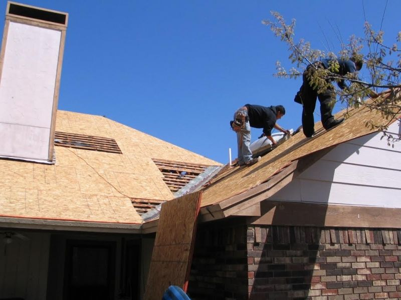 6 Tips To Choose The Right Roofing Company Kimball Roofing Repairs In 2020 Roofing Contractors Roof Repair Roofing